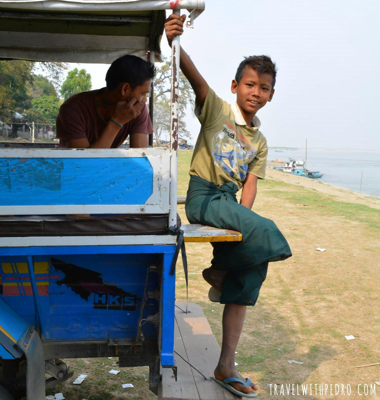 Povo de Myanmar: Visitando o Templo de Mingun