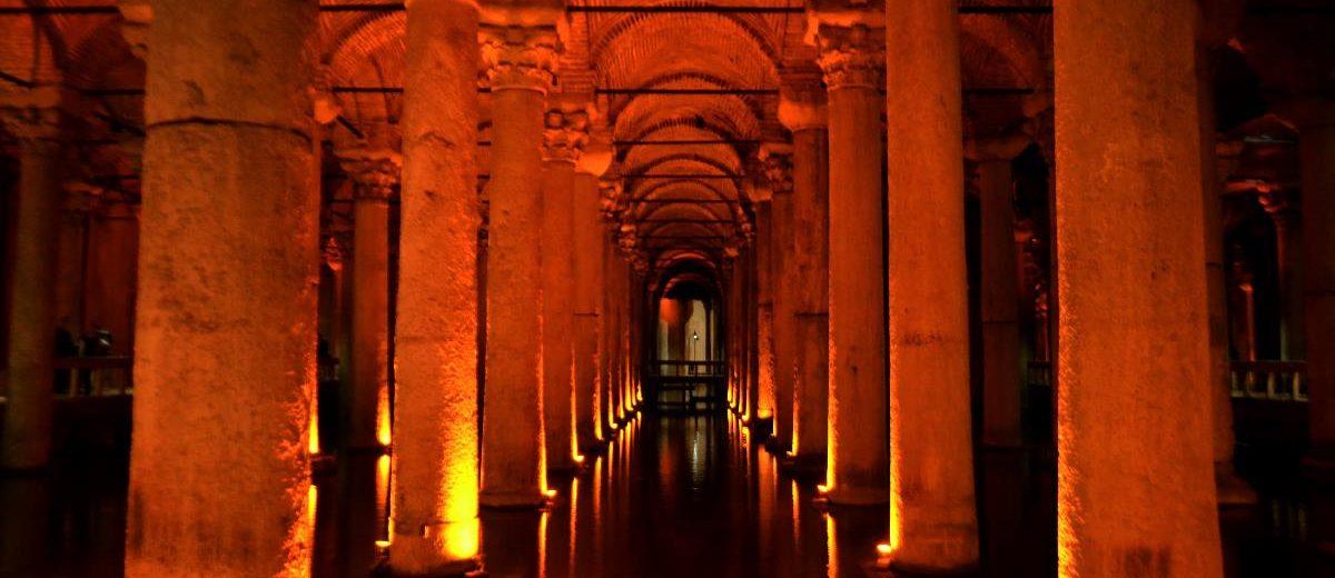 Como Visitar a Cisterna da Basílica em Istambul