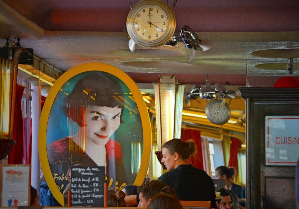 Cafés Charmosos Mundo Afora - Café des Deux Moulins Paris